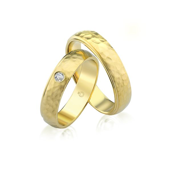Paar Trauringe/Eheringe einfarbig in Gold oder Platin mit 0.06ct Brillant von Trauringspezialisten.de Modell TS9226