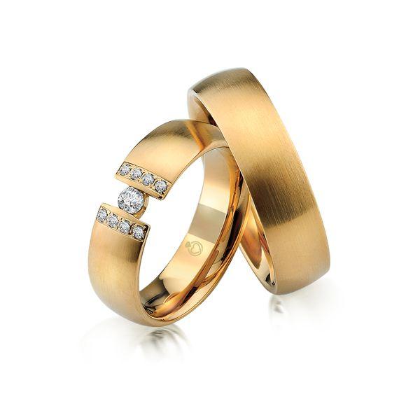 Paar Trauringe/Eheringe einfarbig in Gold oder Platin mit 0.15ct Brillant von Trauringspezialisten.de Modell TS9227